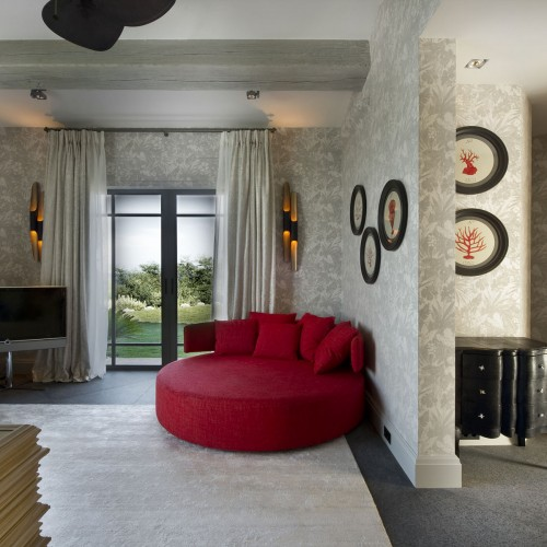 red-accented-hall