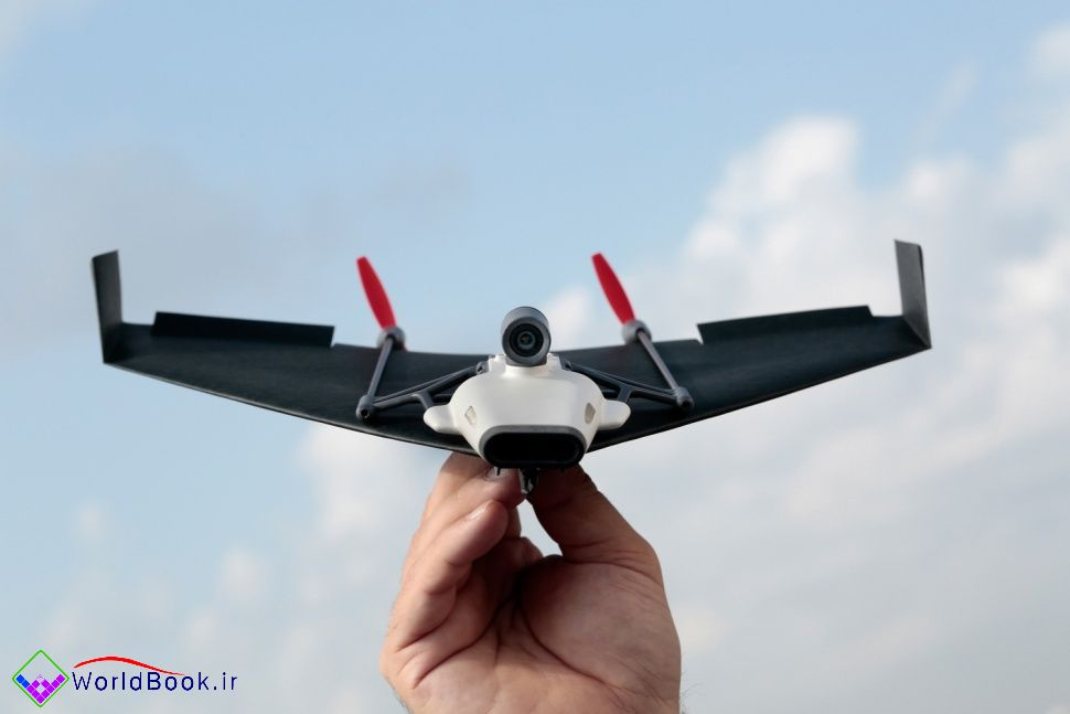 تصویر از تجربه یک پرواز واقعی  با پرنده کاغذی و دستگاه واقعیت مجازی PowerUp FPV