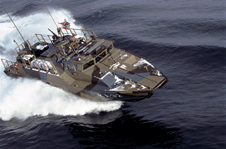 تصویر از مشخصات کامل  قایق CB90  امریکا + ویدئو + عکس